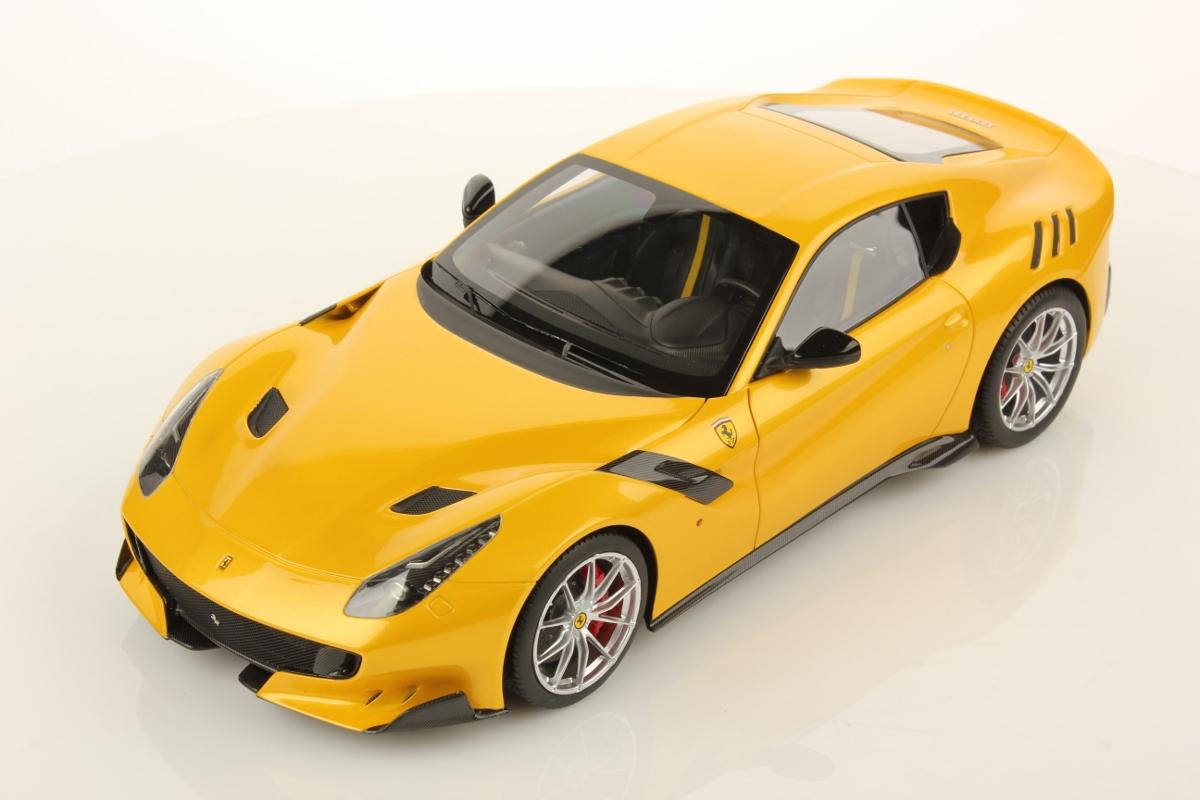 Alfa Romeo Models >> Ferrari F12 tdf 1:18 | MR Collection Models