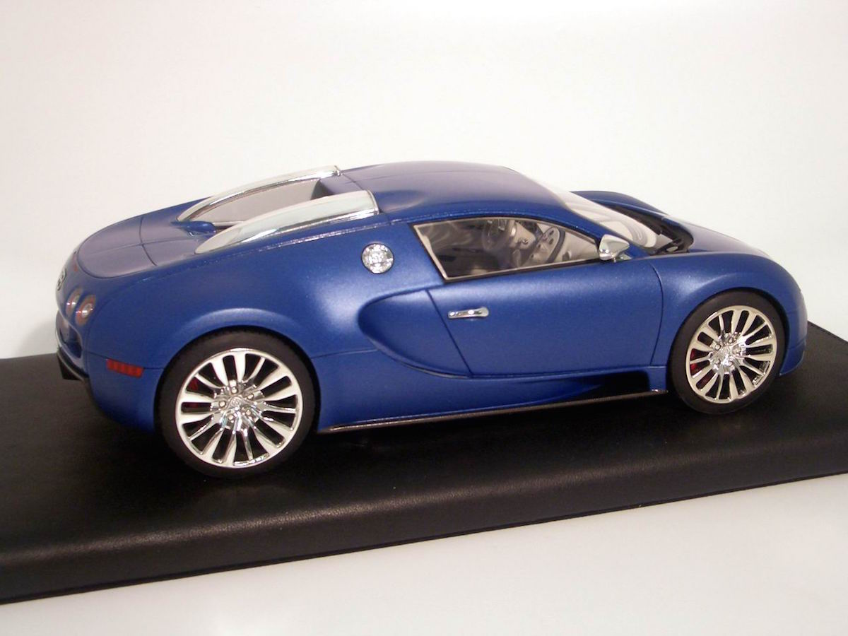 bugatti veyron 16 4 blue centenarie limited edition 30 pcs 1 18 mr collection models. Black Bedroom Furniture Sets. Home Design Ideas