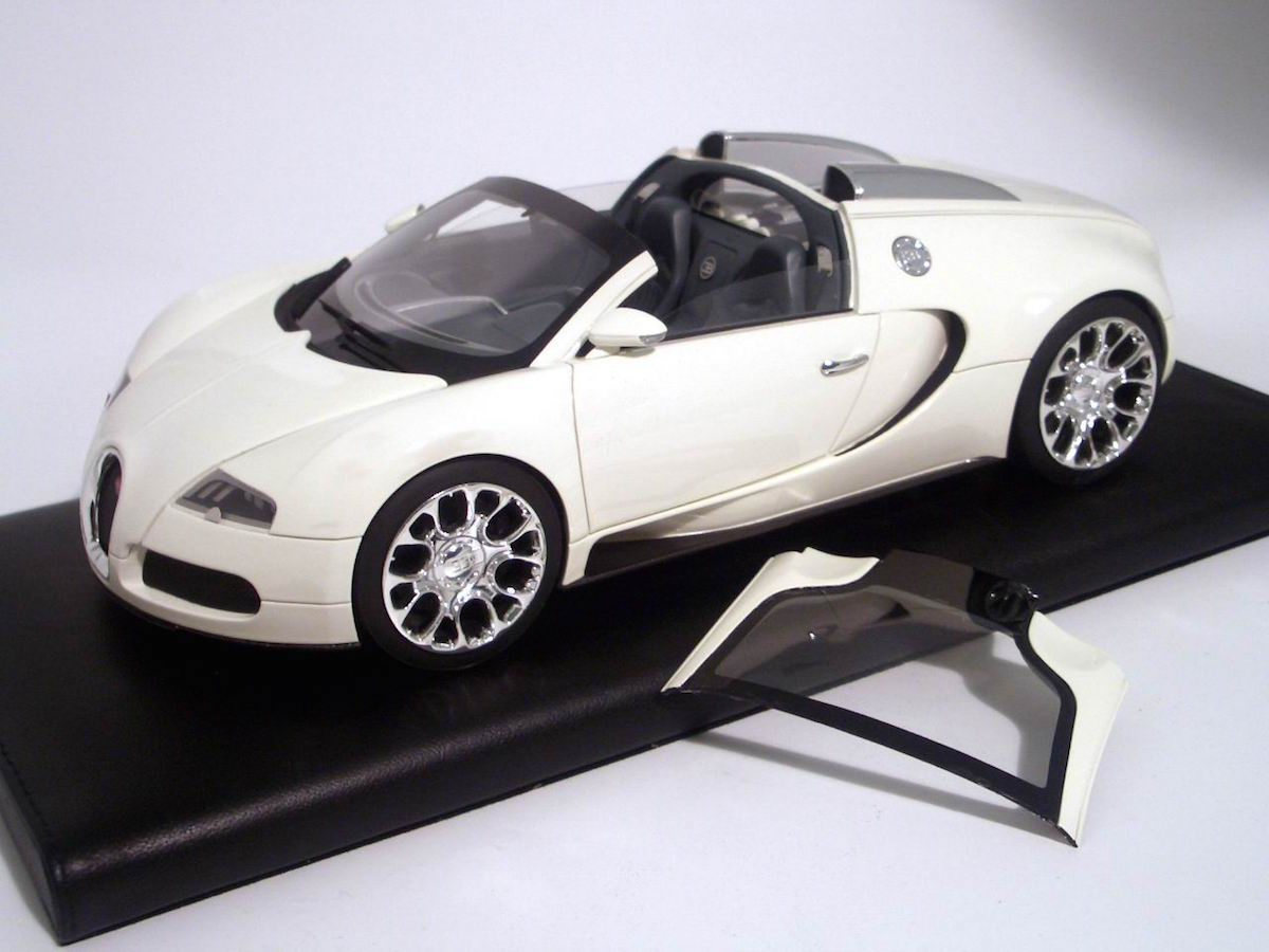 Bugatti Veyron 16 4 Grand Sport 1 18 Mr Collection Models