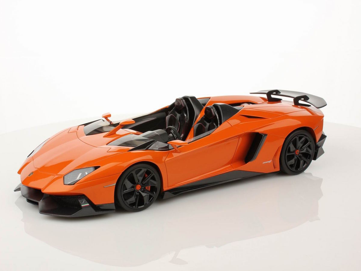 lamborghini aventador j 1:18 | mr collection models