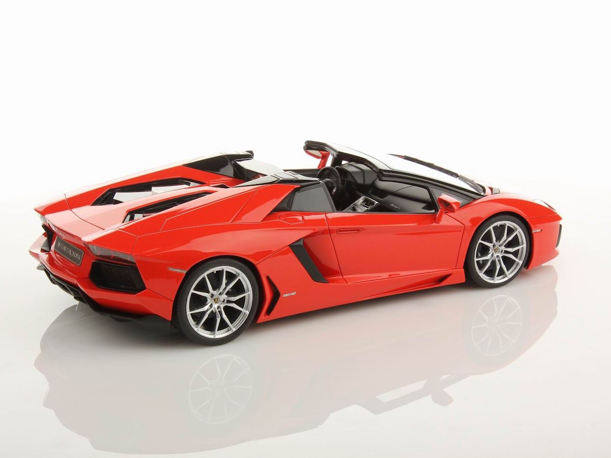 Lamborghini Aventador Lp700 4 Roadster 1 18 Mr