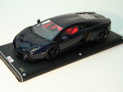 Lamborghini Aventador LP700-4_01