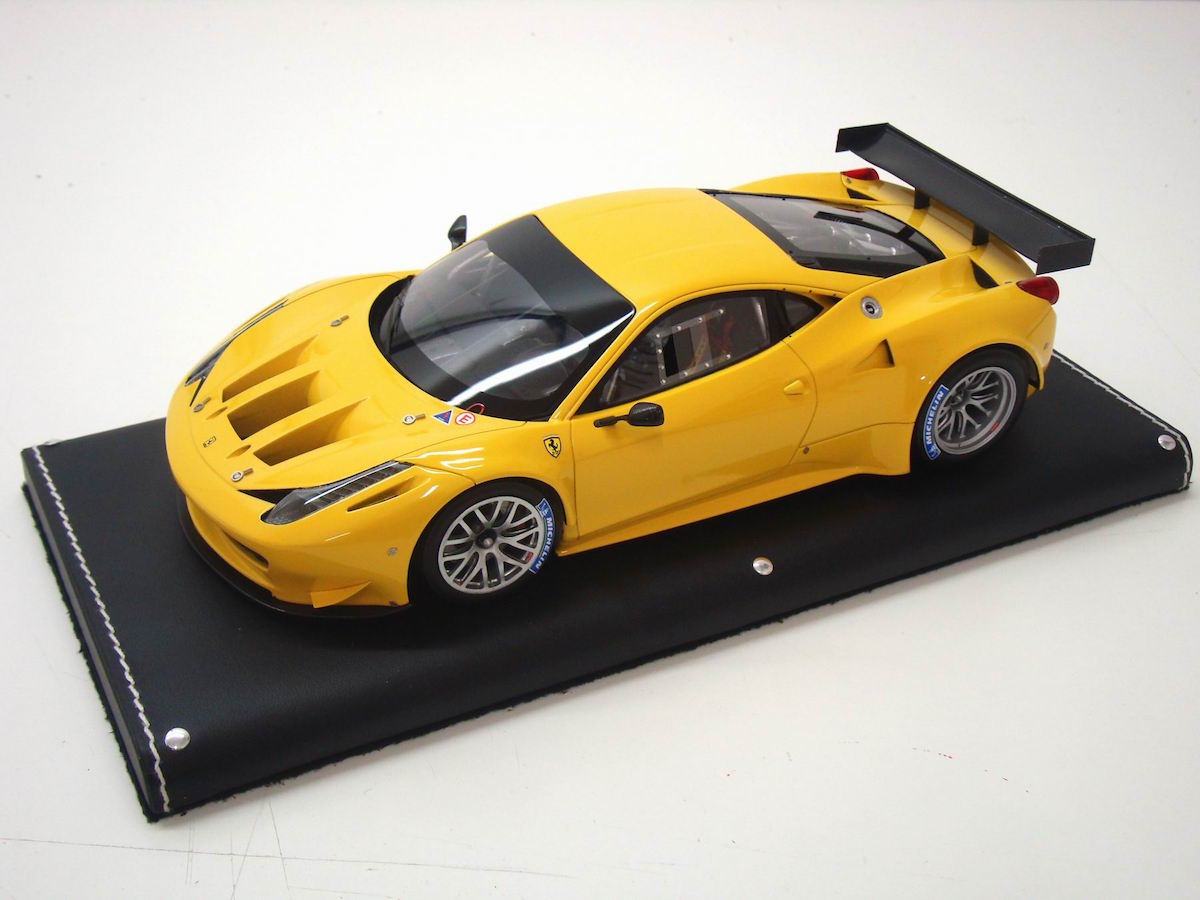 ferrari 458 italia gt2 1 18 mr collection models. Black Bedroom Furniture Sets. Home Design Ideas