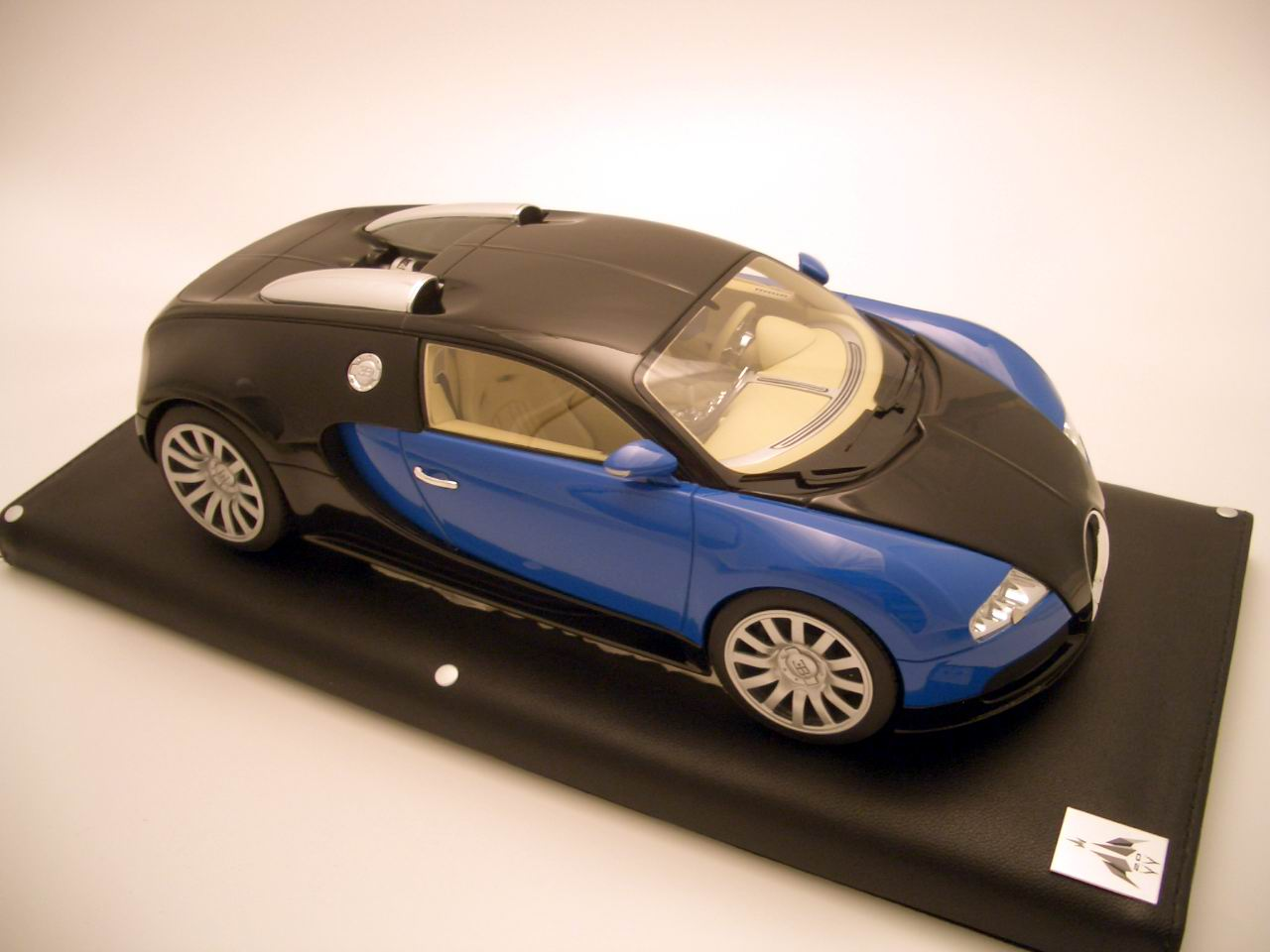 bugatti veyron 16.4 1:18 | mr collection models