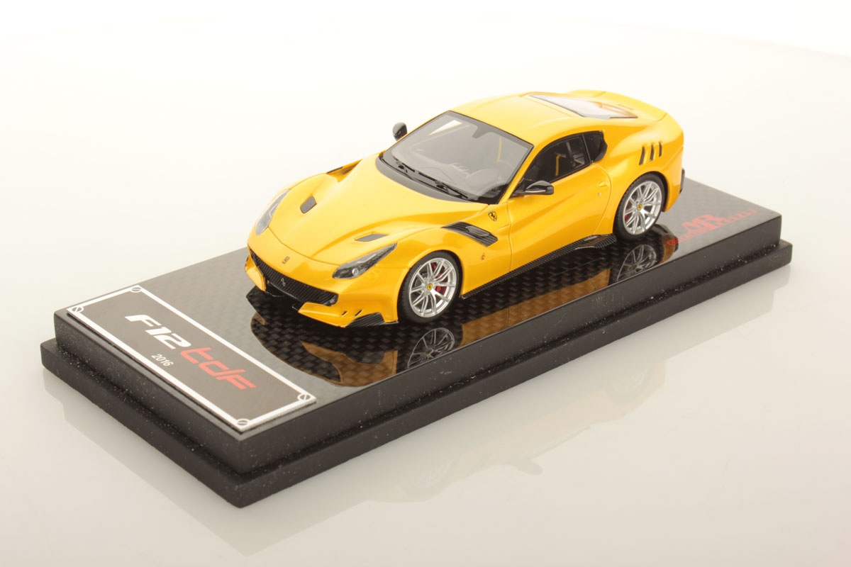 1:43 SuperCars Collection Ferrari F12tdf 2015