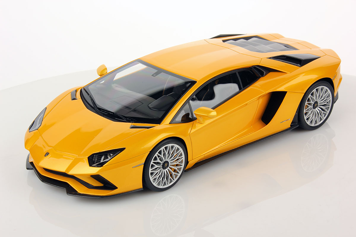 lamborghini aventador 1 Buy maisto r/c 1:10 scale lamborghini aventador lp 700-4 radio control vehicle (colors may vary): cars - amazoncom free delivery possible on eligible purchases.