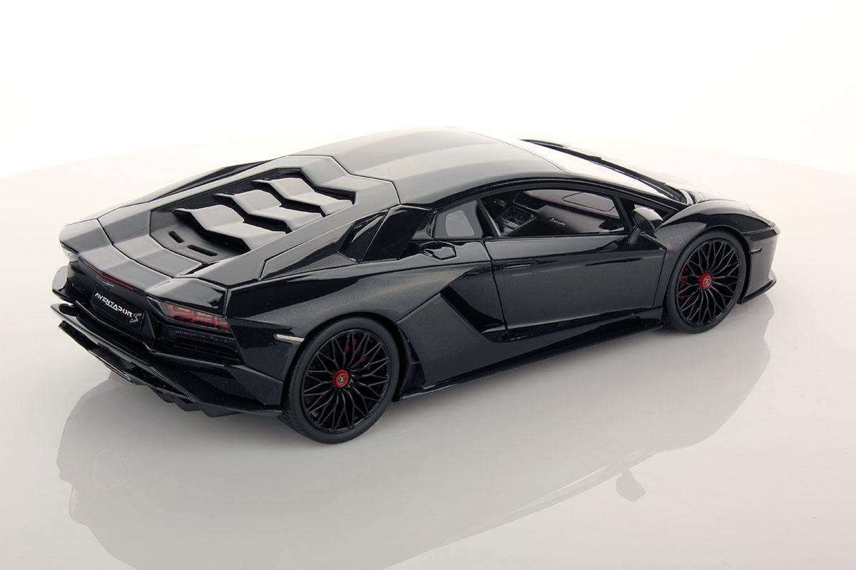 Lamborghini Aventador S 1:18 | MR Collection Models