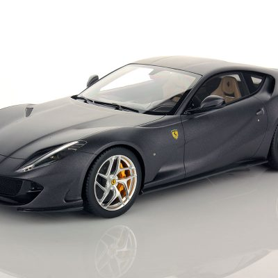Ferrari 812 Superfast 1:18