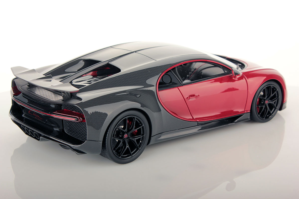 bugatti chiron sport with open wing 1 18 mr collection models. Black Bedroom Furniture Sets. Home Design Ideas