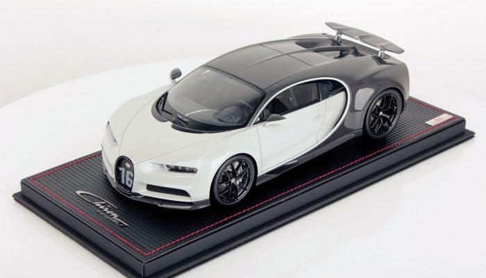 Bugatti Chiron Wing Up 1:18