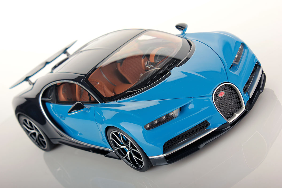 bugatti chiron with open wings 1 18 mr collection models. Black Bedroom Furniture Sets. Home Design Ideas