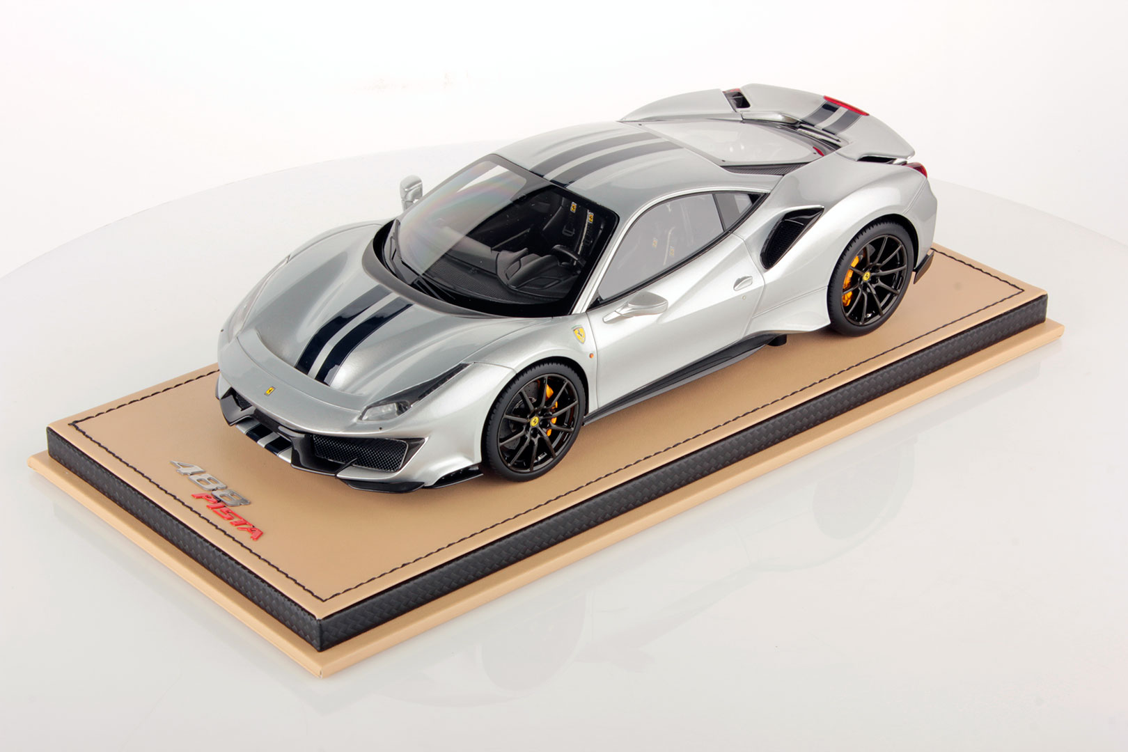 Ferrari 488 Pista 1 18 Mr Collection Models